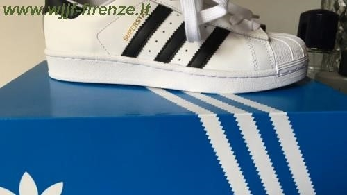 Adidas Superstar Fake